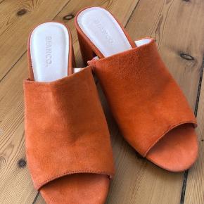 Fine sandaler. Lige til at hoppe i  Kun brugt en aften