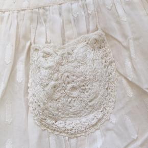 Fin sommer nederdel i bomuld.