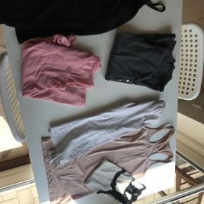 Tøj pakke 16 dele   Bla. En kjole, en blazer, en cowboyjakke og en masse bluser, toppe og t-shirts.  Størrelse Small til medium.  Afhentning i Glostrup eller sendes for 40.-   Halv pris, sletter annoncer 1/8 🍀🍀det hele skal væk