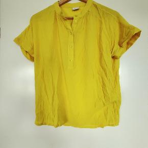 Gul trøje fra JDY  Fra ikkeryger-hjem :-)