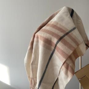 Ganni tørklæde