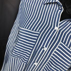 Fin stribet skjorte fra jaqueline de Young fra vero moda eller only.  Blazer sælges også. Se mine andre annoncer :)