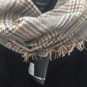 Stort lækkert halstørklæde  i efterårs farver   170x80