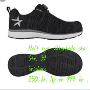 Sikkerheds sko fra Snickers. Helt nye. Np 999, sælges for 250 kr.