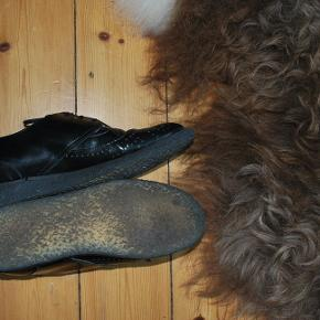 Herre inspireret oxford sko i patent læder, med snøre og hul mønster Rågummisål Ikke brugt mange gange