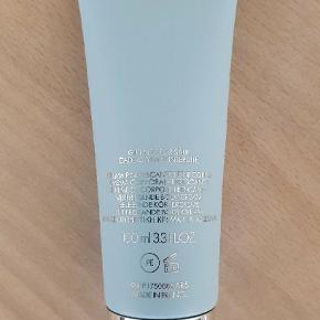Bodylotion Light Blue Pour Femme Dolce & Gabbana 100 ml. Helt ny, Pris  100 kr + Fragt.