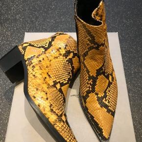 Smukke støvler i lækker blød læder   #30dayssellout