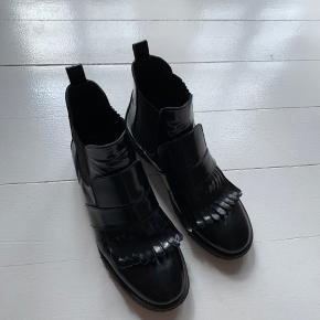 Rigtig fine blanke støvler fra Angulus. BYD