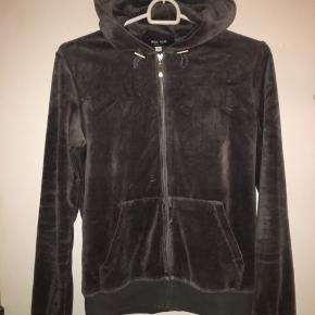 Velour hoodie fra why not London