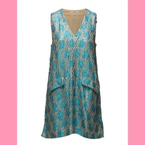 Ganni kjole i xs med det smukkeste mønster i blå og beige sælges, aldrig brugt🌼