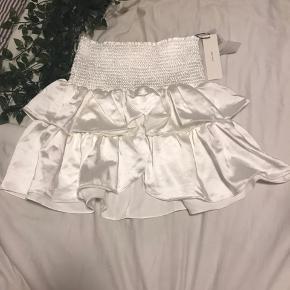 Super smuk nederdel fra neo noir Helt ny aldrig brugt!