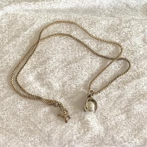 Kæde med perle vedhæng