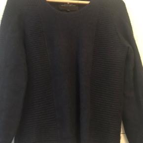 Brugt enkelte gange dog aldrig vasket  Super lækker Angora sweater 🎀