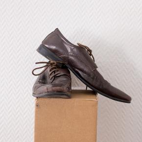 Spidse sko fra Nome - fitter ca. en str. 43  Rimelig brugte