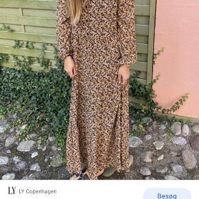 Helt ny kjole fra Moss Copenhagen. Aldrig brugt, kun vasket en gang. Style Martha.