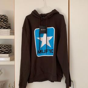 MUF10 hættetrøje