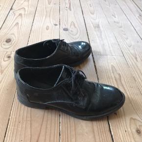 Fine sko fra Pavement. Ikke særlig brugt, men selvfølgelig et par brugstegn