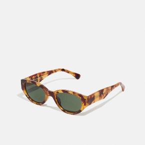 A. Kjærbede solbriller