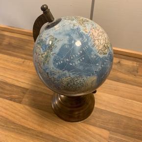 Fin lille globus