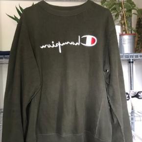Champion reverse weave sweatshirt, i super stand. Str XL, men er lille i Str og passer en str M.  Giv et bud