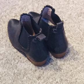 Super flotte mørkeblå sko fra Soon.