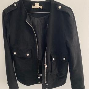 Ruskinds jakke fra H&M Størrelse XS God stand