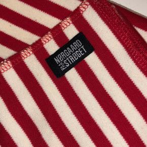 Super sødt Mads Nørgaard halstørklæde, brugt få gange