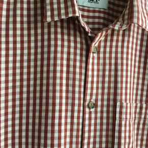 34685100f80a Fed skjorte - er vasket men ikke brugt. Ny pris 700kr sælges for 200kr