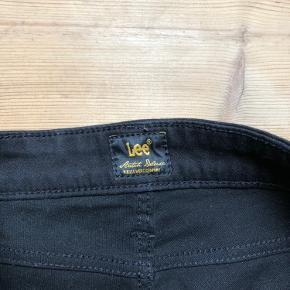Lee jeans str. 29/31  De har været brugt 2 gange