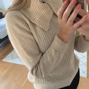 Fin sweater fra Ganni! 🤍☺️
