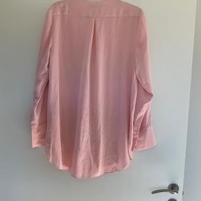 Smukkeste skjorte brugt een gang