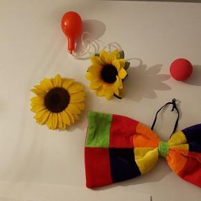 Tilbehørspakke til klovne kostume.   Kan sendes som alm. brev via Post Nord til 20 kr.