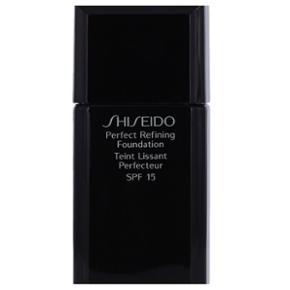Shiseido perfect refining foundation teint lissant perfecteur spf 15 - 30 ml.Farvekode nr.: 160 - se billede 2.  Der er 3/4 eller mere tilbage, så dén er næsten ikke brugt.  Nypris: 350 kr.   Plus porto.