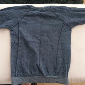 Flot mørkegrå sweatshirt. Som ny.