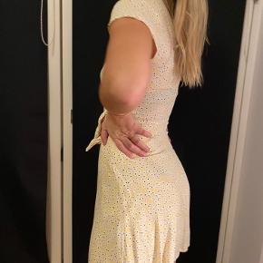 Smukkeste kjole fra MbyM, passer s-m