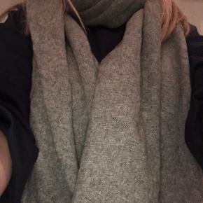 Balenciaga tørklæde