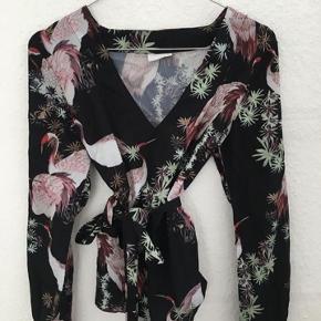 Smuk wrap bluse