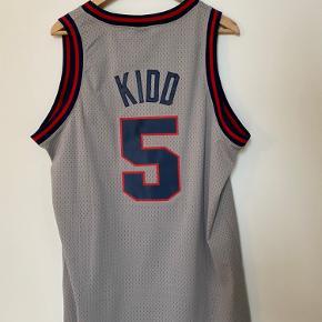 Basketball. Throwback NBA-trøje. New Jersey Nets. Jason Kidd, nr. 5. Afhentning, eller køber betaler selv forsendelse 🙂