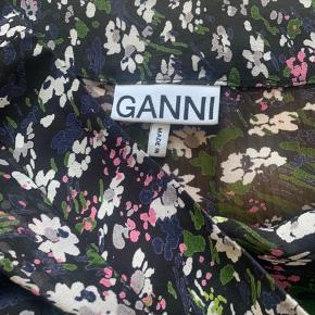 Smukkeste maxi nederdel fra Ganni - kun brugt et par gange.