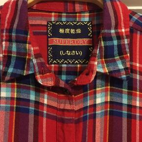 Så lækker en skjorte i det blødeste bomuld / viscose stof , modeller er moderat i str