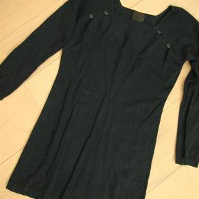 Varetype: Næsten ny strikkjole str. L fra In Wear Farve: Se foto  Næsten ny strikkjole str. L fra In Wear