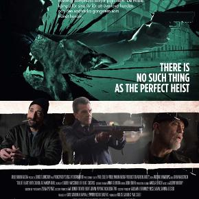 0561  Bullet Head - DVD - Dansk Tekst - I FOLIE   Bullet Head er en amerikansk-bulgarisk krimi thriller film indspillet i 2017 med Adrien Brody, Antonio Banderas og John Malkovich i hovedrollerne og instrueret af Paul Solet.   Fire kriminelle ender i et biluheld ude foran et varehus i deres flugt fra ordensmagten, hvoraf kun tre er i live til at kunne gå ind i dette. Men hvad de ikke ved er, at der befinder sig en glubsk dræberhund derinde, der er blevet mishandlet til ukendelighed af dens gangster ejer for at vinde i de frygtelige hundekampe, der finder sted i varehuset de fleste nætter.