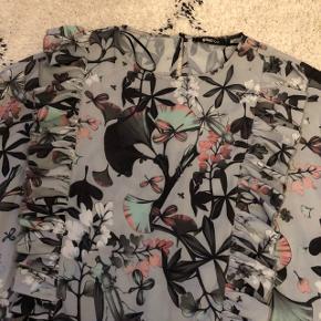 Kjole fra Gina Tricot🌸 Str. S, kan også passes af XS🌸 Brugt få gange 🌸