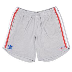 ⚠️⚠️STEAL⚠️⚠️Palace shorts, meget hypet, udsolgt under 1 minut.   Aldrig taget ud af posen.  Str small Grå  TAG DEM TIL LANGT UNDER RETAIL ♻️Køb nu til 485 kr + fragt♻️