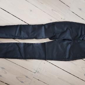 Stramme læder lookalike med stræk.