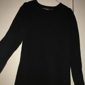 Minimun sweater