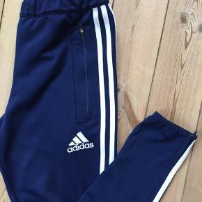 Adidas climacool track bukser i god stand.