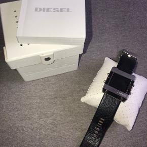 Pæn råt ur som fremstår i pæn stand. Skal dog have skiftet batteri.