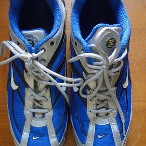 Nike Shox. Brugt få gange. Nypris 1200kr