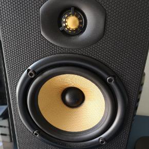 Velspillende og fine B&W højttalere. Passive. Rigtig god lyd. Sælges da fået nye Gem